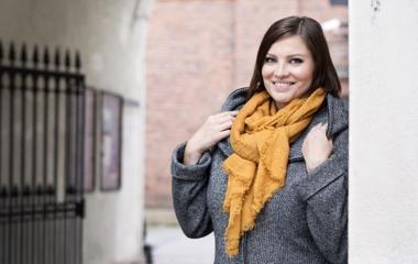 Työterveyspsykologi Marjo Pennonen: Moni oireilee työstressiään vatsalla.