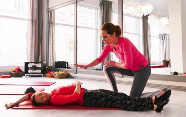 Rauhoita vatsakipu kehonhallintaharjoituksin.